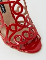 Gerri - Red