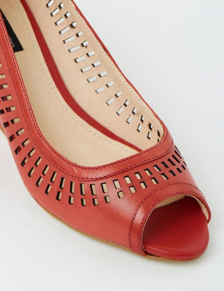 Ivana - Red