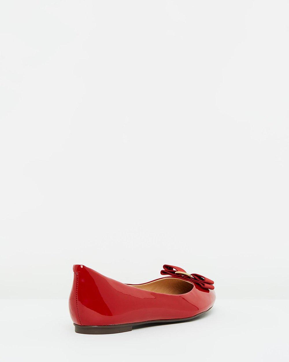Eduarda - Red