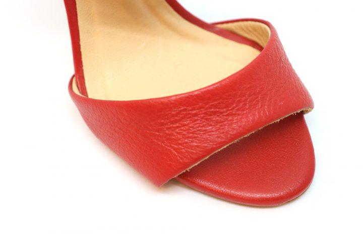 Vivian - Red