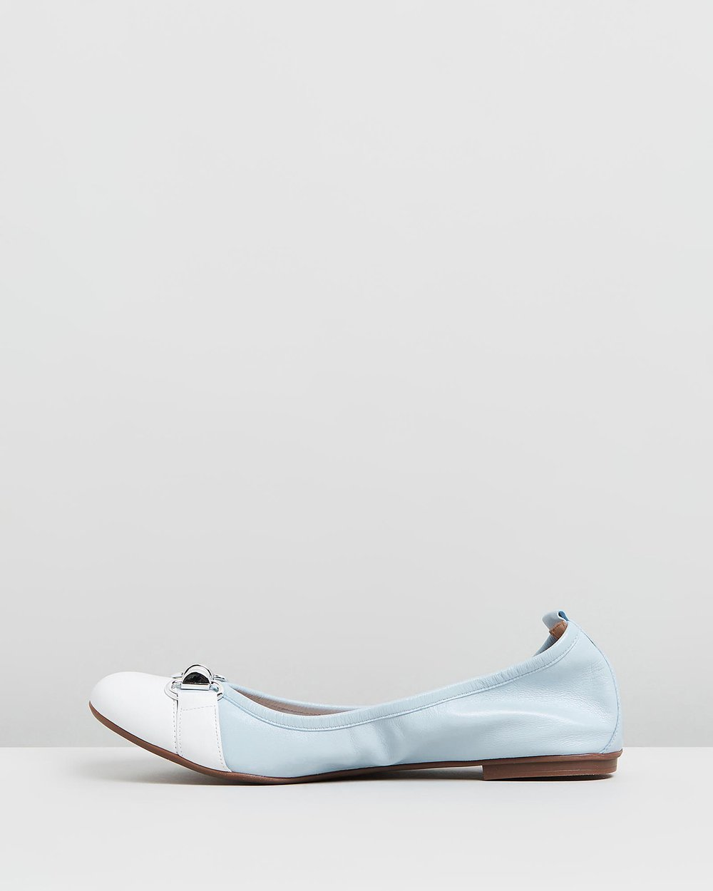 Jamie - Light Blue & White
