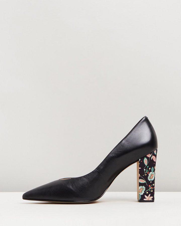 Susan - Black & Floral