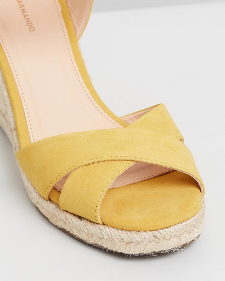 Kate - Yellow