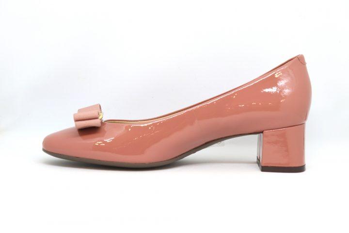 Rosey - Dusty Pink