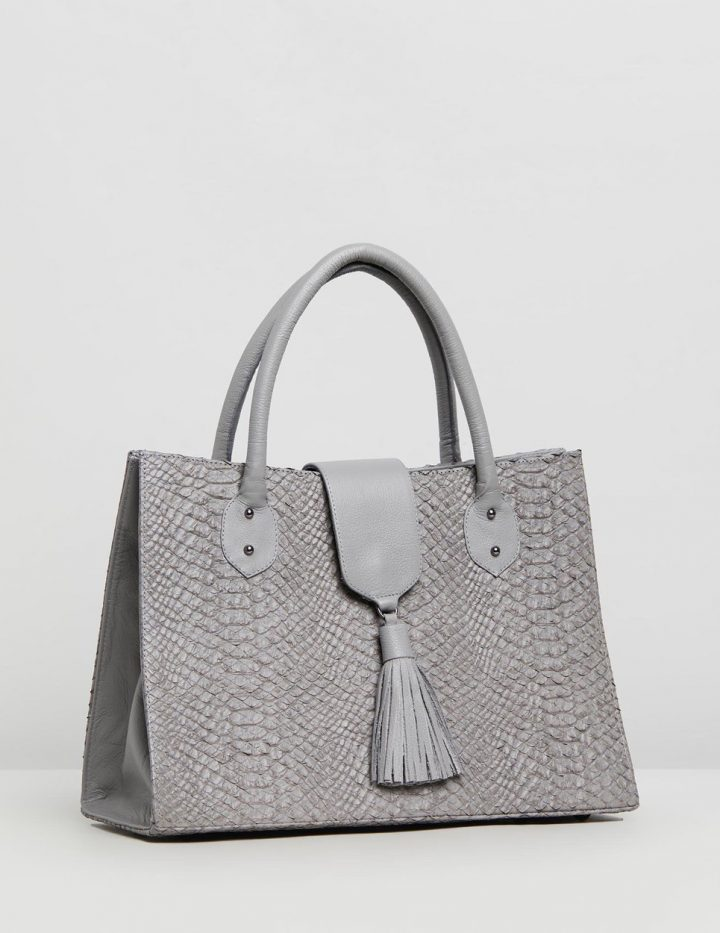 Alessa - Grey